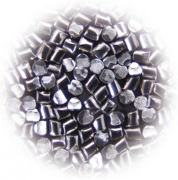 Peskalni granulati iz sekane žičke